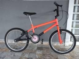 VENDO BIKE BMX SEMI-USADA