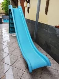 Escorregador de piscina