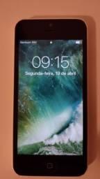 iPhone 5C + carregador