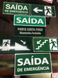 Placas de sinalização Rota de fuga / emergência