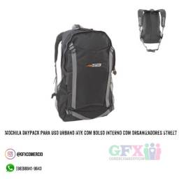Mochila daypack com bolso interno