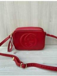 Bolsa vermelha pequena
