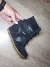 Sapatos N 35 100 reais os 3