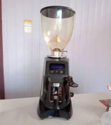 Vendo uma máquina de café profissional