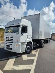caminhão constellation 19-320+ carreta baú