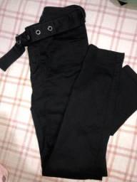 Calça jeans preta com lycra