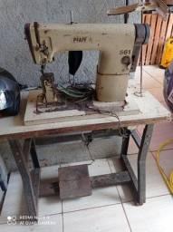 Máquina industrial de custura