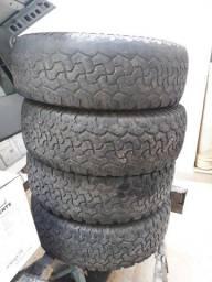 Vendo 04 pneus 245 70 16 BF Goodrich com rodas