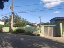 Oportunidade Única - Casa + Loja Comercial (Mais de 1.000m área total)