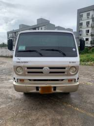 Vendo caminhão 8-150 IMPECÁVEL MUITO NOVO ( aceito carro na troca e financio se precisar )