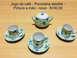 Jogo de café - Porcelana Steatita- -Pintura a mão- Anos 70  - 7 peças
