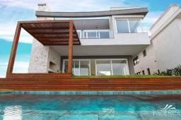 Belíssima Casa no Condomínio Ponta da Figueira em El Dorado!
