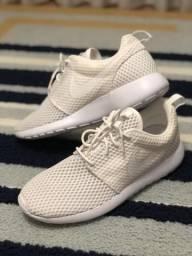 Vendo Tênis Nike Roshe One branco