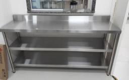Cozinha industrial em aço inox sob medida