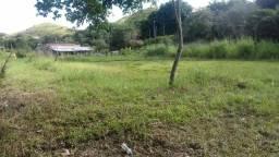 Vendo terreno de 2.800 M3 no km 2 em Pinheiral