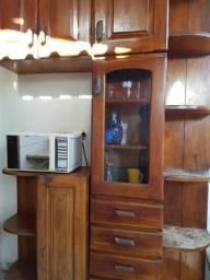 Conjunto de armários de madeira