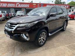 TOYOTA HILUX SW4 2017/2017 2.8 SRX 4X4 7 LUGARES 16V TURBO INTERCOOLER DIESEL 4P AUTOMÁTI - 2017