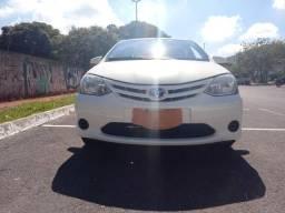Toyota Etios Sedan 1.5 X Flex 4P Mecânico, Ac Troca - 2015