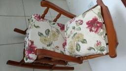 Cadeira de balanço madeira nobre