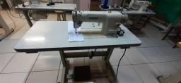 Máquina de costura reta industrial siruba