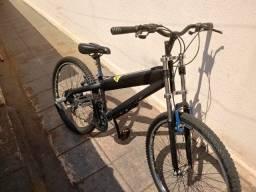 Bicicleta Caloi modelo TRS 6060