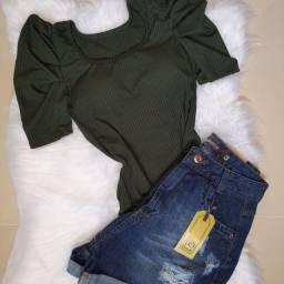 Blusa e shorts Jeans