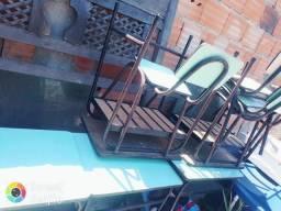 mesas e cadeiras modelo de escolinha