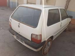 Fiat uno básico 2005 gasolina 8 mil em dias só andar
