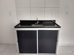 Apto Térreo. Balcão cozinha/banheiro mesa americana, granito negro. Nunca ocupado.