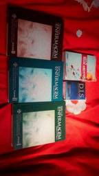 Vendo 3 livros Didáticos de enfermagem, E um guia de medicamentos e um.