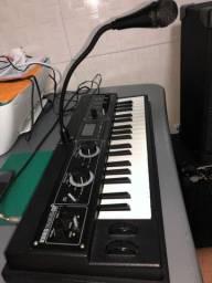 Teclado sintetizador korg