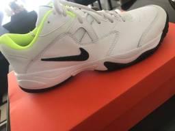 Tênis Nike masculino/ tamanho 41 NUNCA USADO