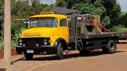 Caminhão plataforma / Munck / muck / muk / prancha / guincho
