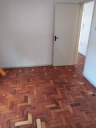 Excelente apartamento térreo de   2 dormitórios no bairro Parque São Sebastião
