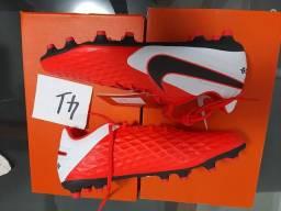 Chuteira Nike  tiempo 41