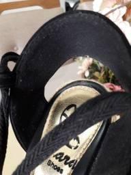 Sandália clara shoes