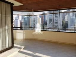 Lindo apartamento de 320m² com uma ótima localização na Zona Sul