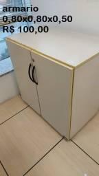 armarios de arquivo em madeira