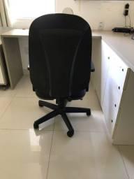 Cadeira Giratória Cavaletti