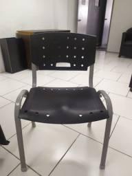 Cadeira Empilhável Fixa ISO