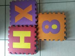 Tatame Eva alfabeto e números 36 peças