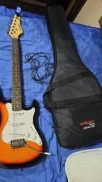 Kit acompanha guitarra, amplificador cubo Steinberg, capa, cabo, correia e afinador
