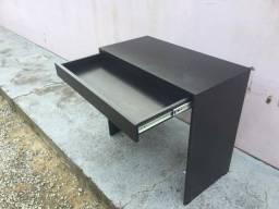Título do anúncio: Mesa com gaveta/multiuso / escritório/ escrivaninha Nova MDF