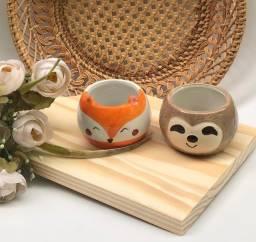 Cachepot em cerâmica.