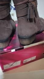Vendo bota feminino