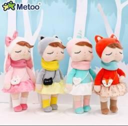 Boneca de pelúcia Metoo