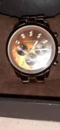 Oportunidade de adquirir um relógio autêntico da marca Michael  Kors
