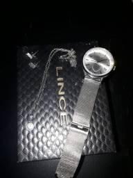 Relógio com acessórios