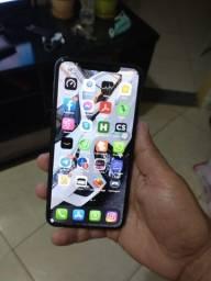 Iphone 11 pro max 256 gb R$ 6.400,00