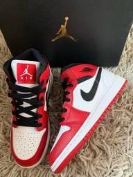 Air Jordan 1 mid white heel